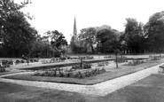 Hessle, Tower Hill Gardens c1965
