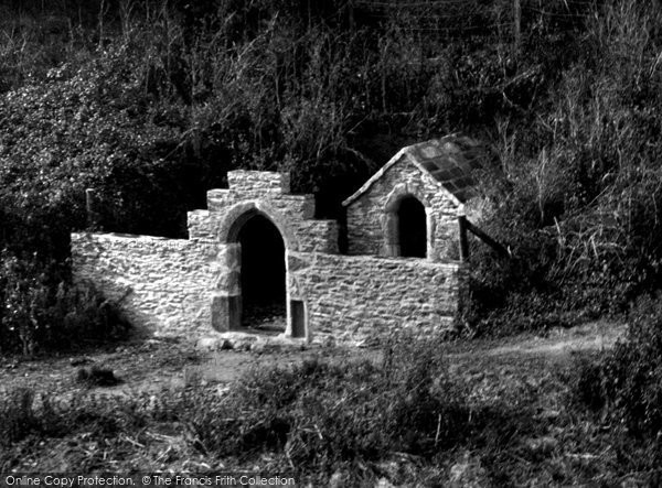 Holywell Bay, Trevornick Holy Well 1937