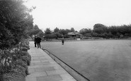 Hornchurch, The Bowling Green, Haynes Park c.1965