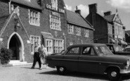 Hunstanton, Golden Lion Hotel Theatre c1965