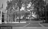Kensington, Commonwealth Institute c.1965