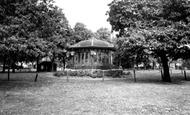Kettering, Pleasure Park Bandstand c.1955