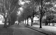 Kettering, Pleasure Park, Rockingham Road c.1960