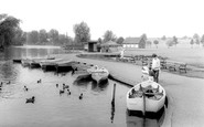Kettering, The Lake, Wicksteed Park c.1965