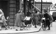 Leytonstone, People, High Road c1950