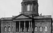 Liverpool, Town Hall 1895