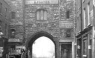 London, Clerkenwell, St John's Gate c.1870