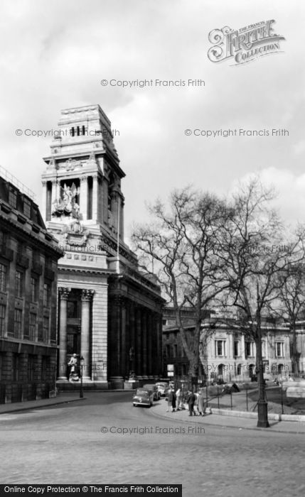 Photo of London, Port Of London Authority Building c.1955