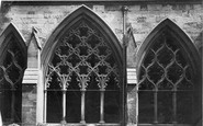 London, Westminster Abbey, Cloisters Window 'kentish Fire' c.1862