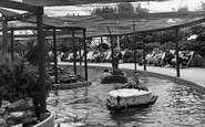 Lowestoft, Electric Boating Lake, Kensington Gardens c1955
