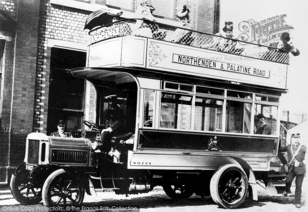 Manchester, A Solid Tyre Bus 1906