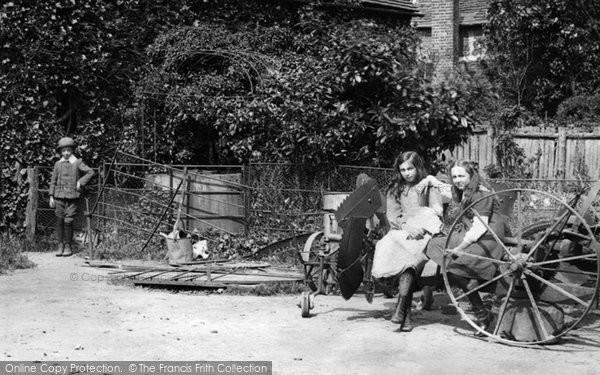 Merrow, Village Children 1913