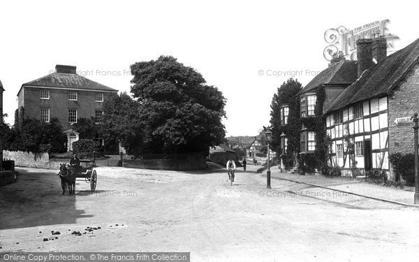 Much Wenlock, Vicarage And Victoria Road 1911