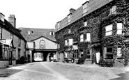 Photo of Newmarket, Rutland Hotel, the Inner Courtyard 1922