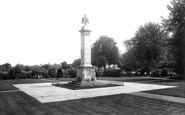 Photo of Newmarket, War Memorial 1929