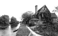 Pangbourne, Riverside Cottage 1890