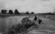 Rainham, Berwick Pond c.1960