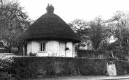Rayleigh, Dutch Cottage c1955