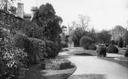 Reading, Forbury Gardens 1896
