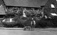Redhill, Man And Wheelbarrow 1906