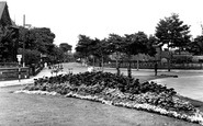 Runcorn, Greenway Road from the Memorial c1955