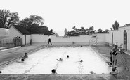 Ryton, Ferndene Park Swimming Pool c1960
