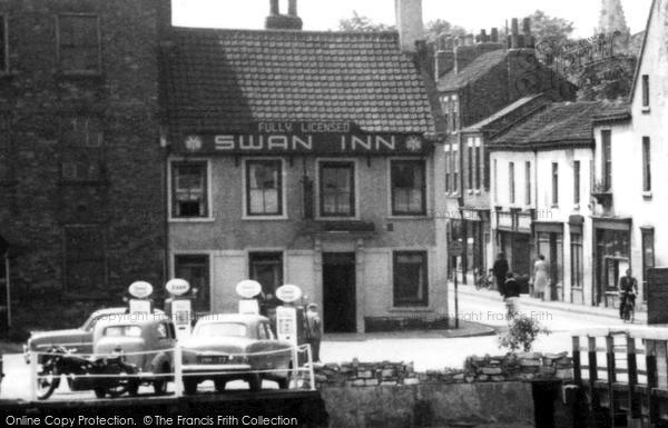 Selby Swan Inn C 1960 Francis Frith
