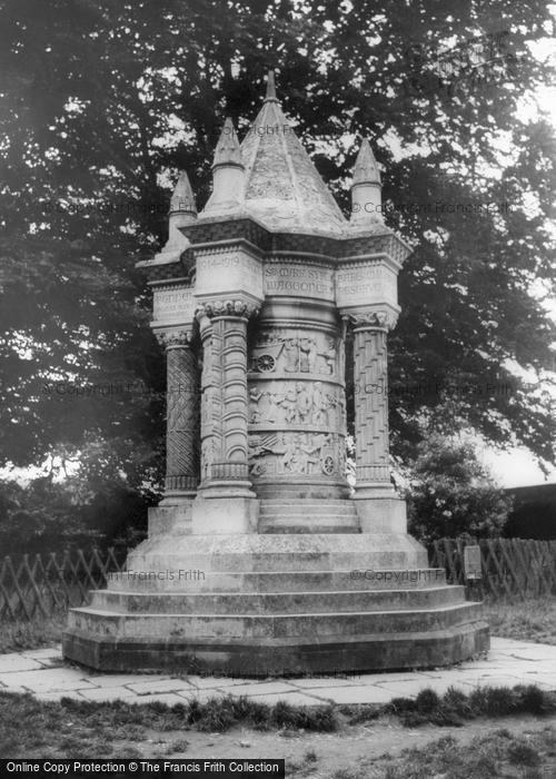 Sledmere, The Monument c.1960