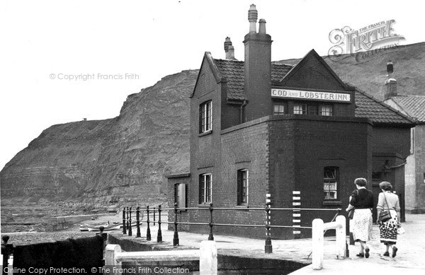 Staithes, The Cod And Lobster Inn 1950 - Francis Frith