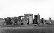 Example photo of Stonehenge