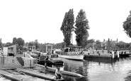 Teddington, the Lock c1955