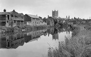 Tewkesbury, Abbey From The River Avon 1958