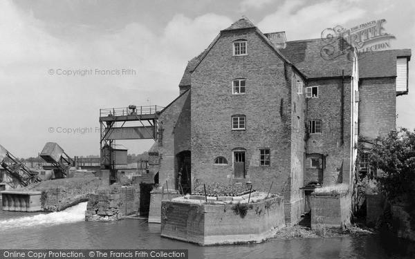 Tewkesbury, Abel Fletcher's Mill c.1960