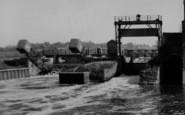 Tewkesbury, Mill Bank Weir c.1960