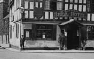 Tewkesbury, The Bell Hotel Entrance 1923