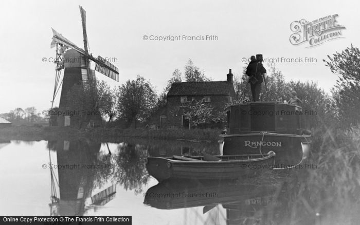 The Broads, A Photographer At Hunsett Mill c.1935
