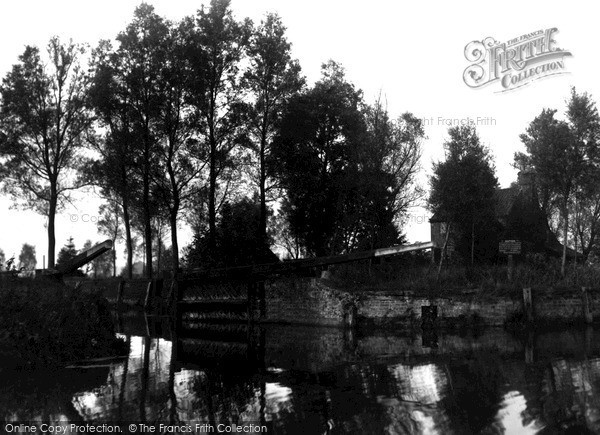 The Broads, Lock House c.1955