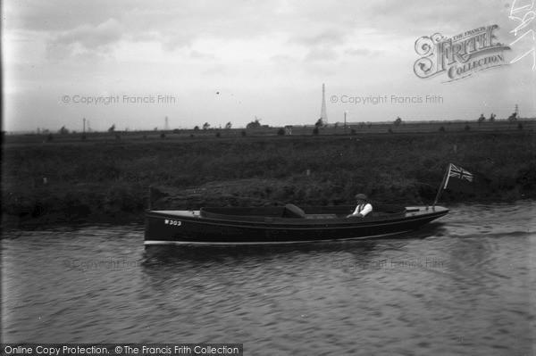 The Broads, Noah, Johnson's Boat c.1933