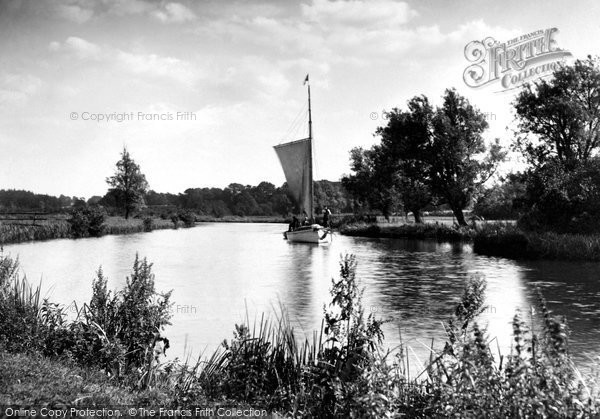 The Broads, On The Waveney 1902