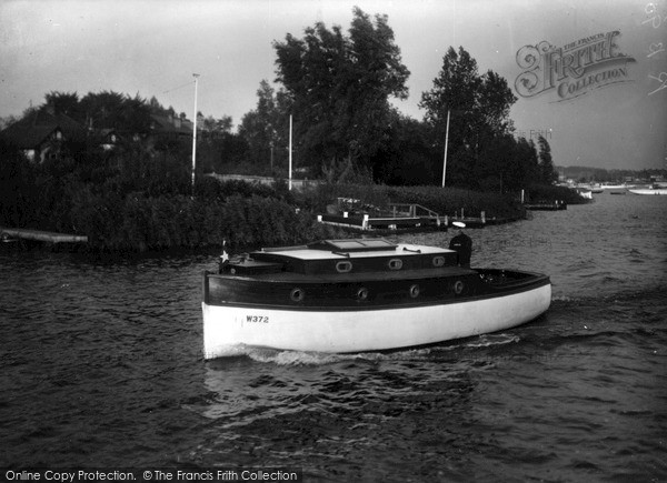 The Broads, 'silver Spray' c.1945