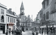 Trowbridge, Fore Street And Town Hall 1900