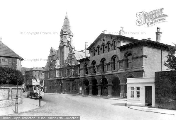 Trowbridge, Town Hall And Market Hall 1923