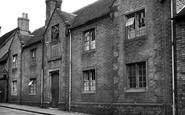 Uttoxeter, Lathropp's Almshouses c.1955