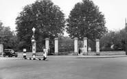 Welling, Morris Wheeler Gates, Danson Park c.1950