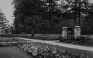 Welling, Old English Garden, Danson Park c.1950