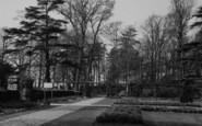 Welling, Old English Garden, Danson Park c.1955