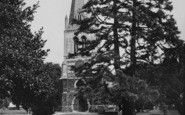 Wellingborough, All Hallows Parish Church c.1955