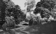 Wellingborough, Swanpool Gardens c.1965