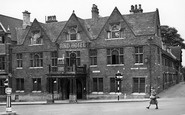 Wellingborough, The Hind Hotel c.1950