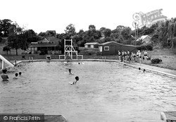 Wellingborough, Wilby Swimming Pool c1950